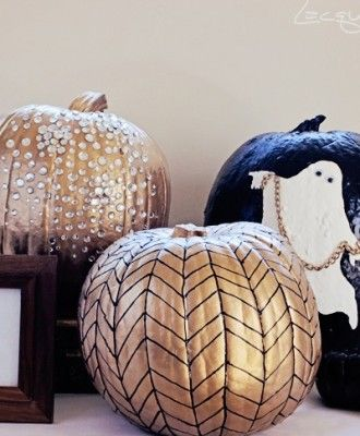 No Carve Pumpkins - gold - | 5 Ideas for People Who Don't Carve Pumpkins!  #halloween #pumpkins #noncarvepumpkins #paintpumpkins #diy #holiday